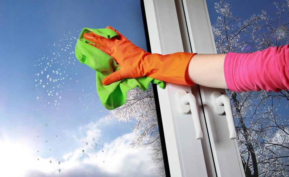 Помыть окна пожилому человеку
