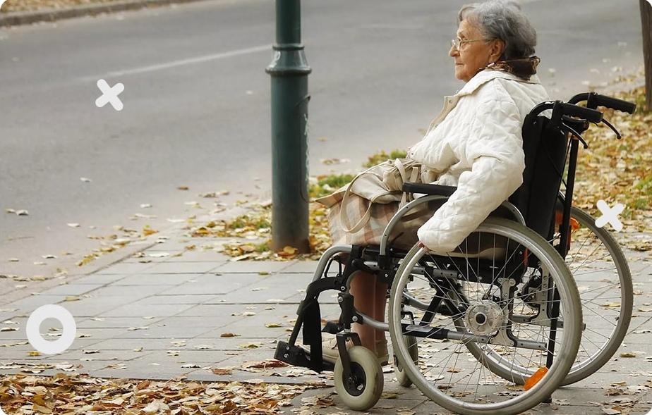 Помочь инвалиду выйти на прогулку