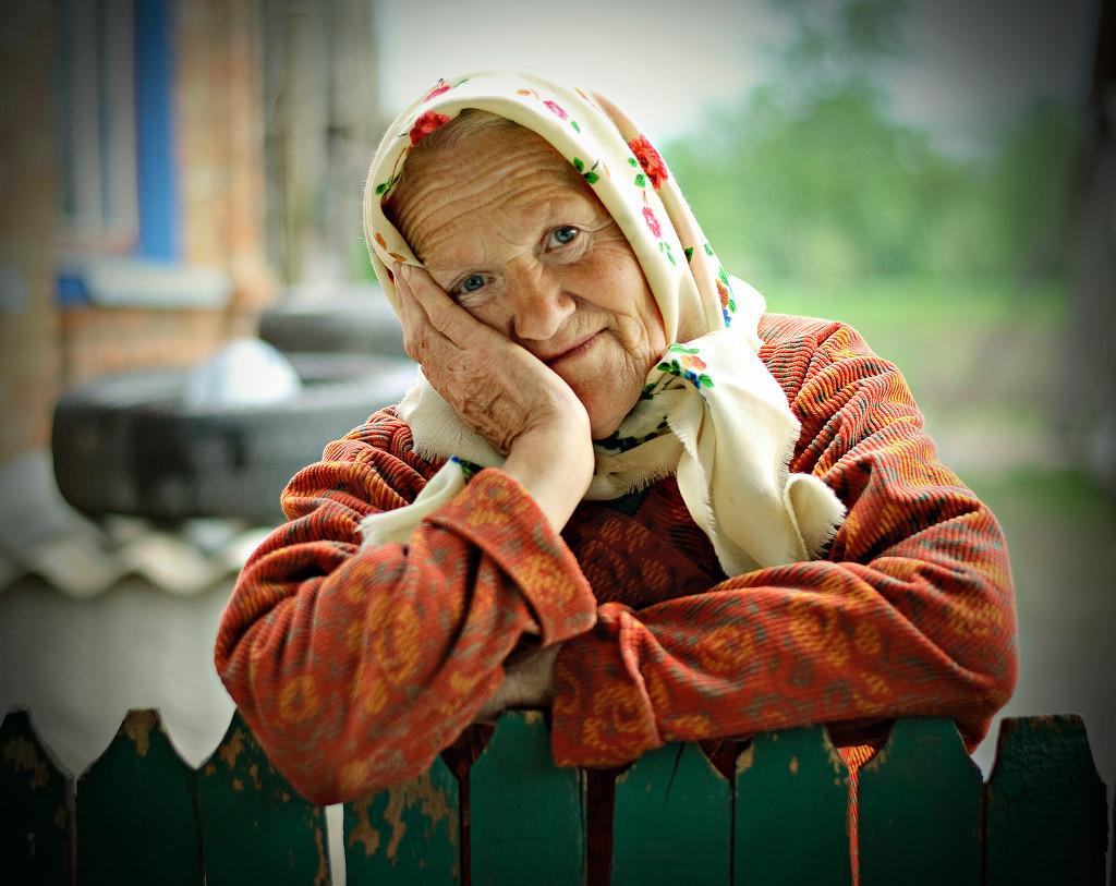 Нужна помощь в косметическом ремонте одиноко проживающей бабушке - труженику тыла.